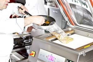 MVS 45, speciale programma per confezionamneto sottovuoto anche di prodotti caldi